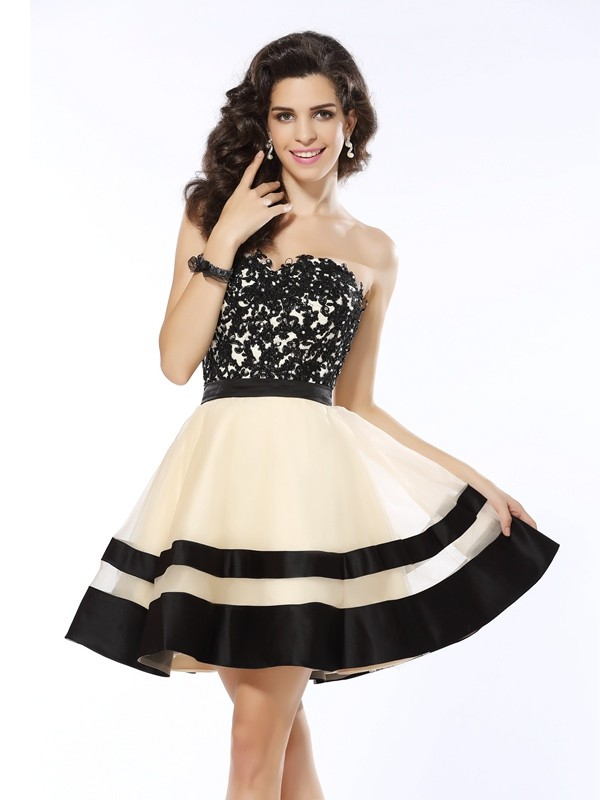 Stylish A-Line/Princess Applique Sleeveless Sweetheart Short Organza Cocktail Dresses