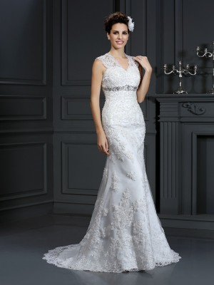 Stylish Sheath/Column Beading Sleeveless V-neck Long Lace Wedding Dresses