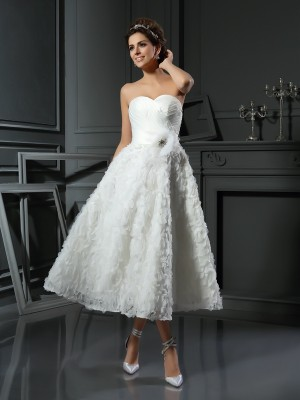 Stylish A-Line/Princess Bowknot Sleeveless Sweetheart Short Satin Wedding Dresses