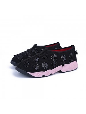 Fashion Trends Women's Net Flat Heel Closed Toe Casual Black Sneakers