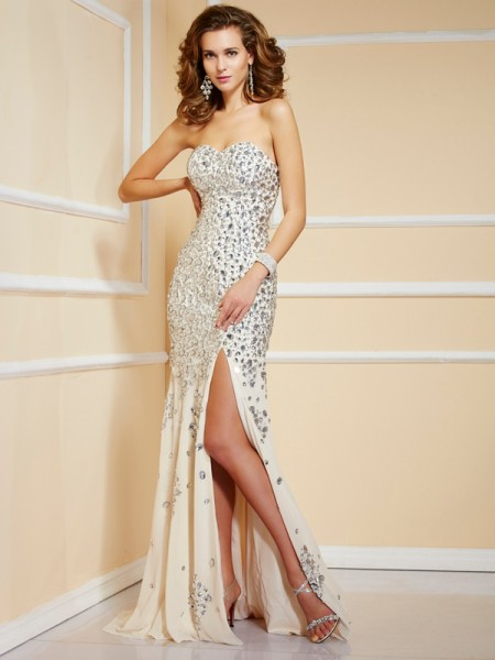 Stylish Sheath/Column Beading Sleeveless Sweetheart Long Chiffon Dresses