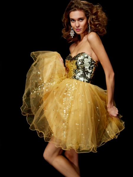 Fashion A-Line/Princess Sleeveless Paillette Sweetheart Short Tulle Homecoming Dresses