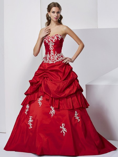 Stylish Ball Gown Sleeveless Beading Sweetheart Applique Long Taffeta Quinceanera Dresses