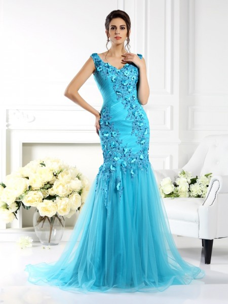 Fashion Trumpet/Mermaid Applique Sleeveless Straps Long Silk like Satin Dresses