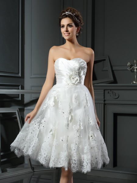 Fashion A-Line/Princess Ruched Sleeveless Sweetheart Short Satin Wedding Dresses