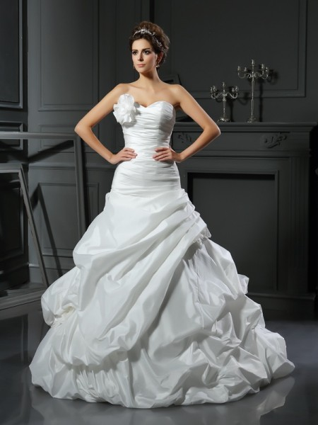 Fashion Ball Gown Hand-Made Flower Sweetheart Sleeveless Long Satin Wedding Dresses