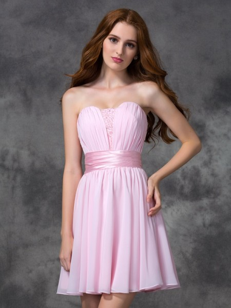 Fashion A-line/Princess Ruched Sleeveless Sweetheart Short Chiffon Dresses