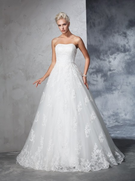 Stylish Ball Gown Lace Sleeveless Strapless Long Lace Wedding Dresses