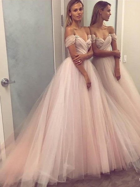 A-Line/Princess Sleeveless Off-the-Shoulder Tulle Beading Sweep Train  Dresses