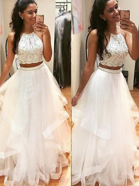 Fashion A-Line/Princess Halter Floor-Length Sleeveless Beading Tulle Dresses