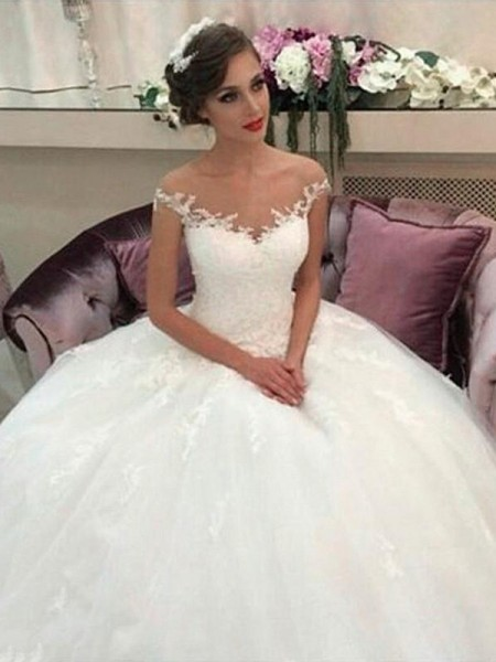 Ball Gown Off-the-Shoulder Court Train Tulle Sleeveless Wedding Dresses