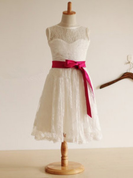 The Most Stylish Jewel A-line/Princess Sleeveless Sash/Ribbon/Belt Long Lace Dresses